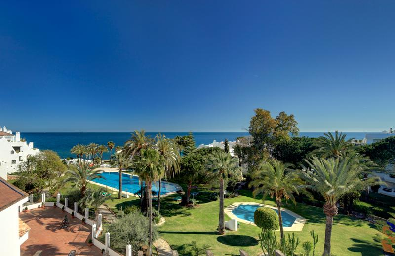 Coral Beach Aparthotel | Marbella, Málaga | Unbeatable location